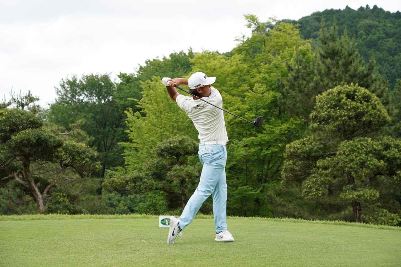 Images : 15番目の画像 - 額賀辰徳のドライバー連続写真 - みんなのゴルフダイジェスト