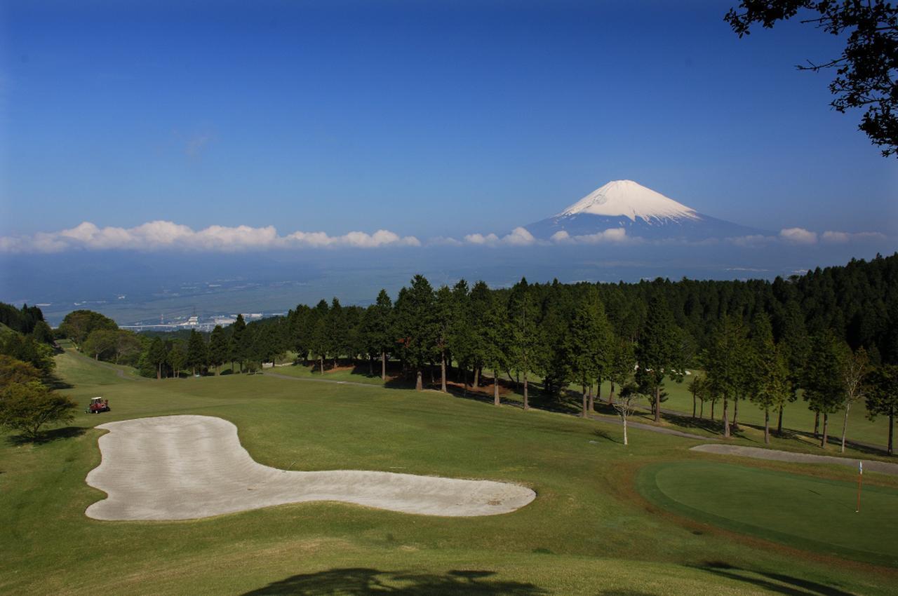画像: 富士山を撮る男性ゴルファーも多いのでは!?(撮影/増田保雄)