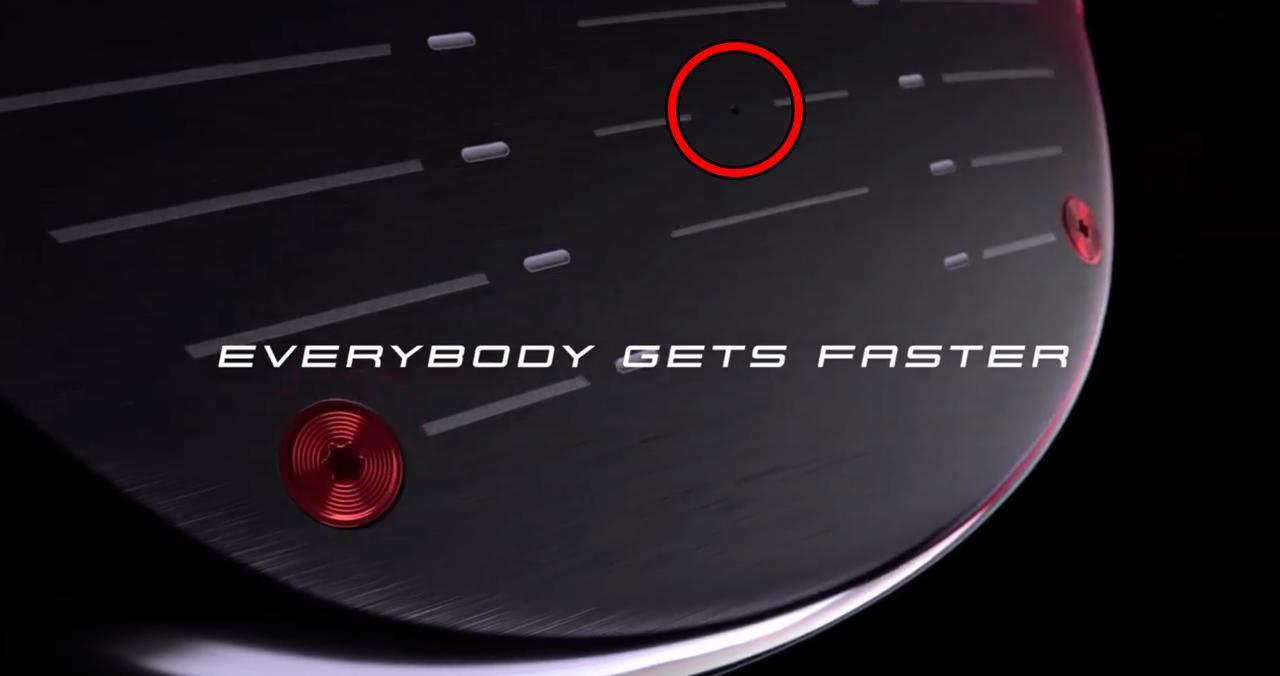 画像: 画像2 赤丸で囲んだ部分に小さな穴のようなものが見えるが……(画像は動画のスクリーンショット)