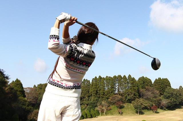 画像: 使用頻度の高いドライバーやフェアウェイウッドが得意なゴルフ女子は多い