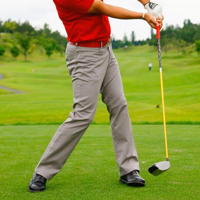 画像: アマチュアの多くが体をしっかり回しているのにも関わらずスライスしている