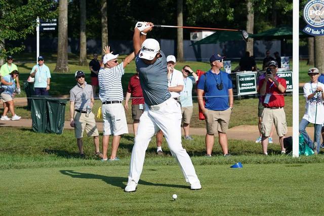 画像: 松山英樹のスウィングはリズムがゆっくりなのでトップで止まって見えるが、力の伝達は止まっていない(写真は2018年の全米プロゴルフ選手権 撮影/姉崎正)