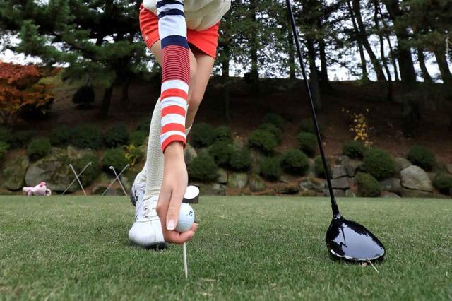 画像: 最近ゴルフを始めたい、始めたという女子増えつつあるが、そんなゴルフ女子たちのゴルフ場までの「移動手段」とは?