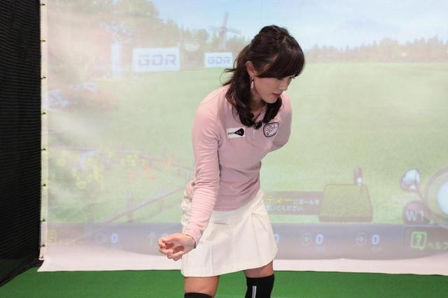 画像: 腰がスライドすれば腕やクラブをインサイドから下ろすことができる