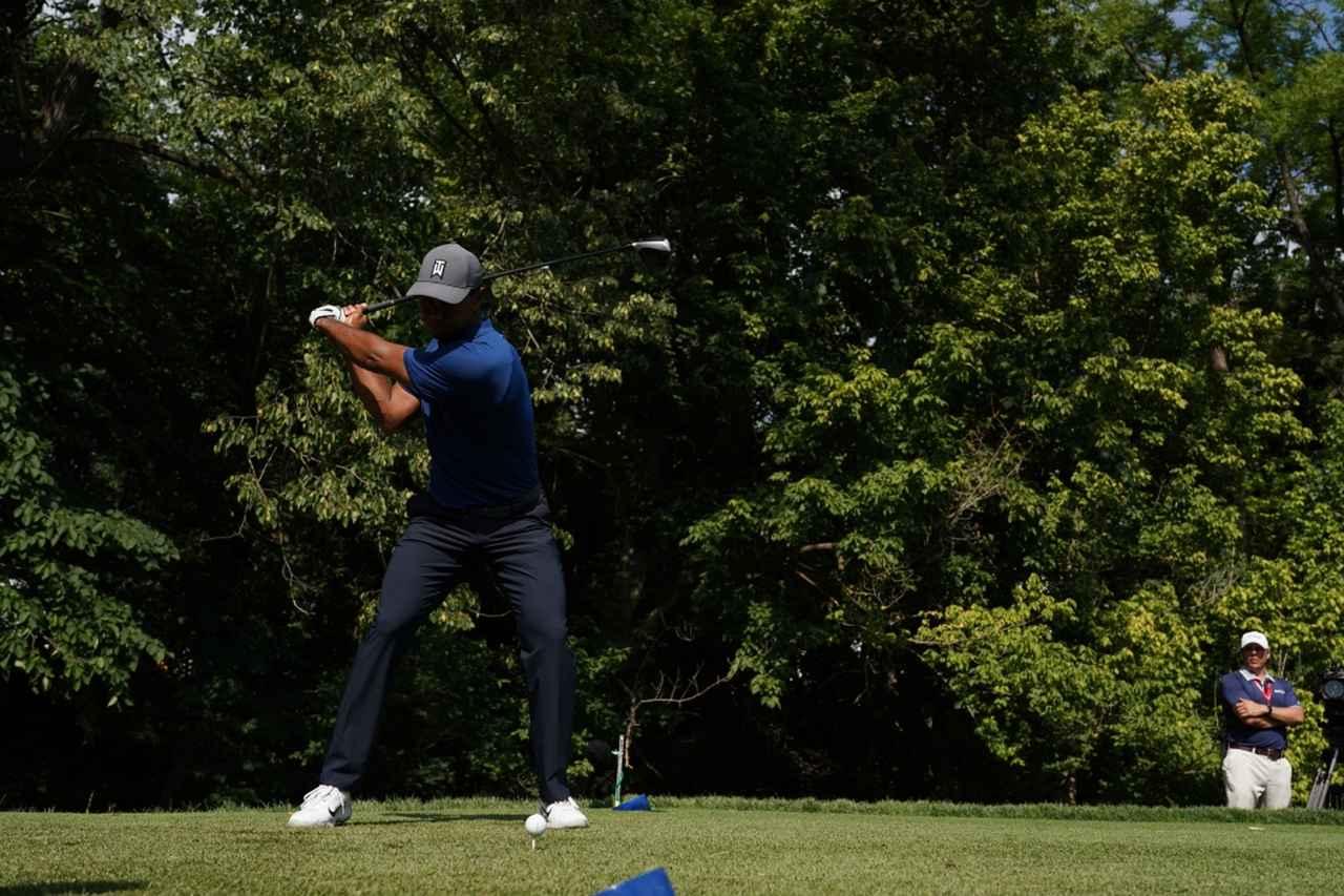 Images : 6番目の画像 - タイガー・ウッズのドライバー連続写真 - みんなのゴルフダイジェスト