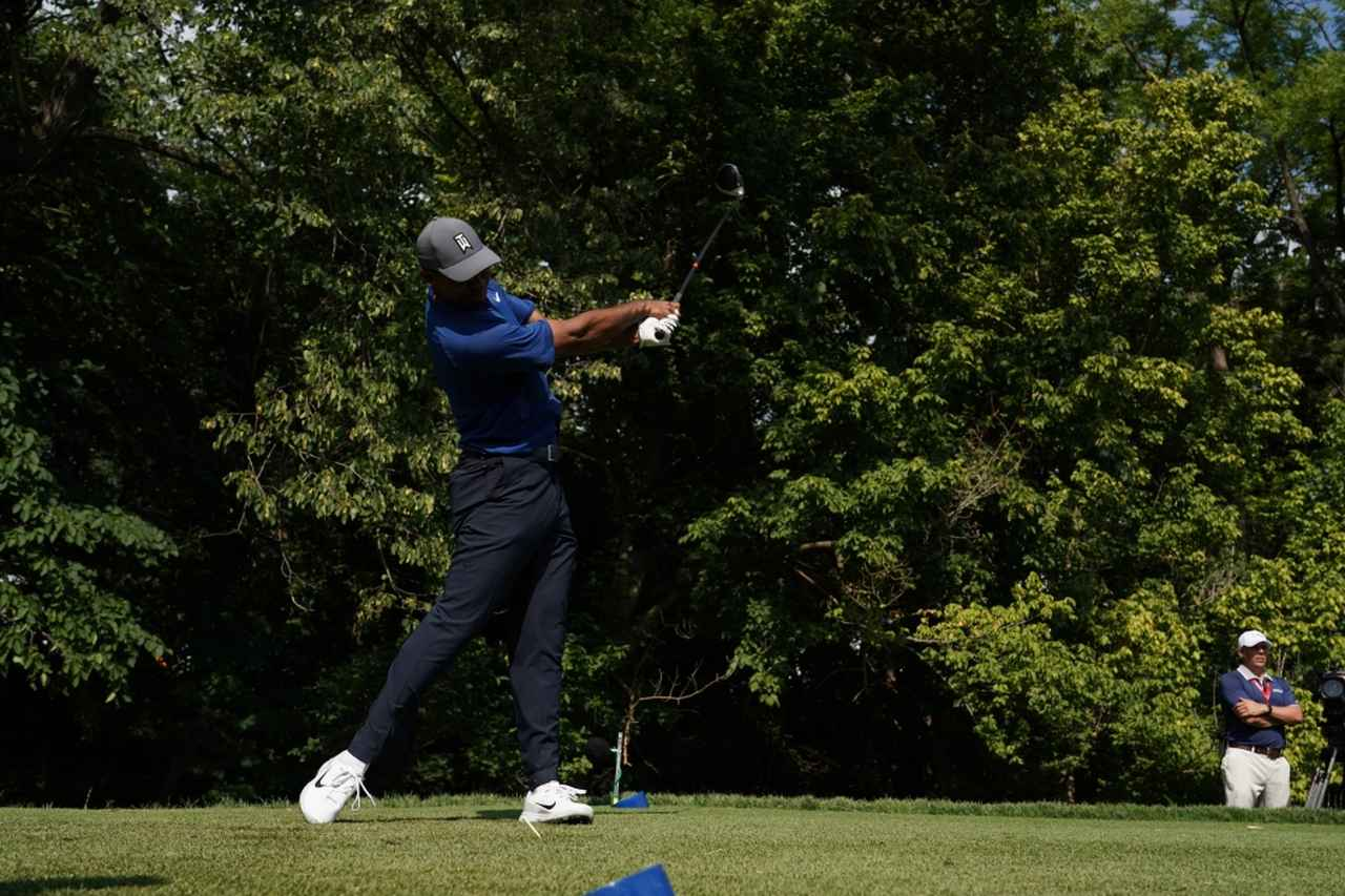 Images : 11番目の画像 - タイガー・ウッズのドライバー連続写真 - みんなのゴルフダイジェスト
