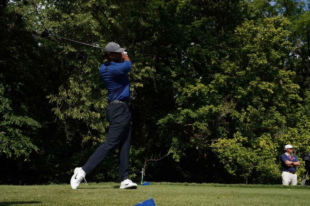 Images : 13番目の画像 - タイガー・ウッズのドライバー連続写真 - みんなのゴルフダイジェスト