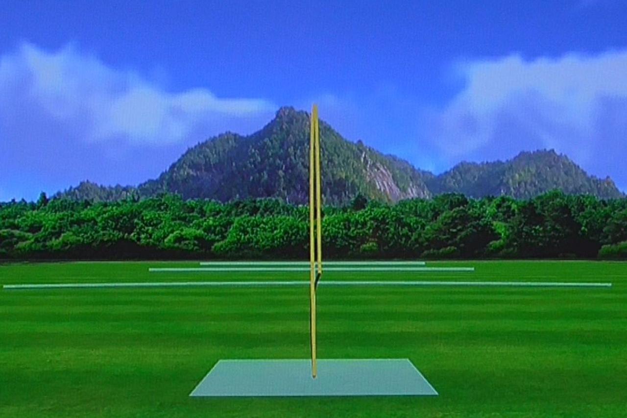 画像: (写真A)堀口のS25Cの弾道。ボールはまったく曲がらずに真っすぐ飛んでいる