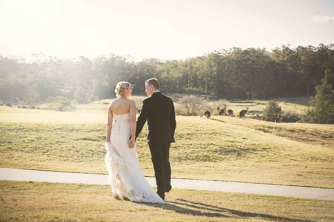 画像: ゴルフコースを夫婦で楽しく歩けたら、最高です