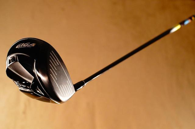 画像: GIGA HS797は直進性と打感の良さがなんといっても魅力。練習が楽しくなるドライバーでもある