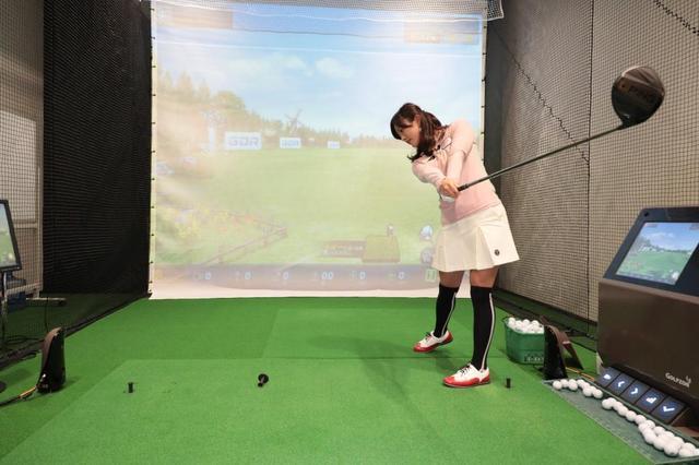 画像: 手首の力が抜けていれば、クラブの遠心力で自然と正しい方向に解放され、ヘッドは走ってくれる