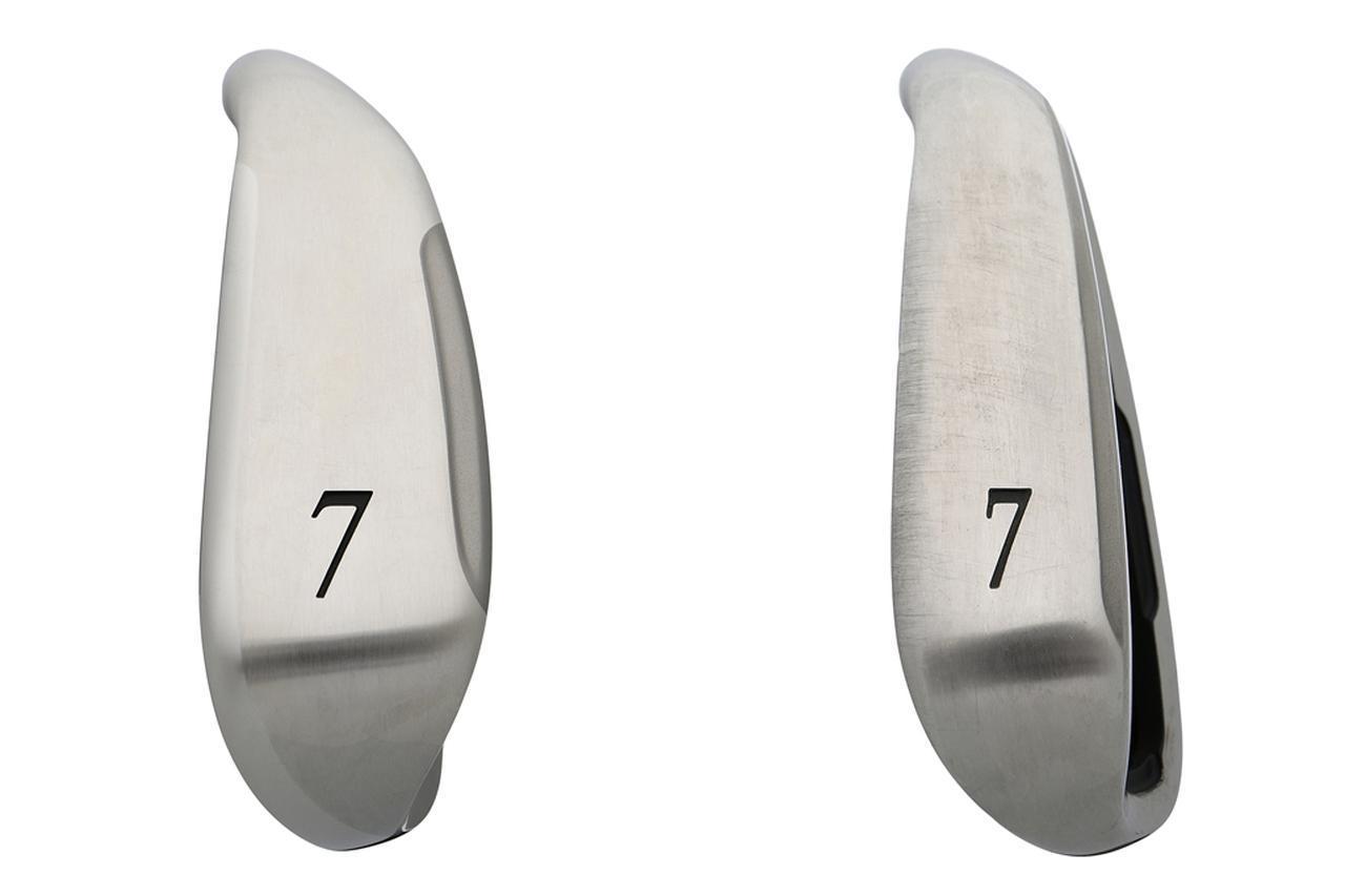 画像: ゼクシオテン(写真右)と比較すると、ゼクシオ クロス(写真左)のソール幅の広さがよくわかる