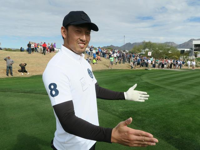 画像: 「これくらいの距離につけたよ」と平野投手。切れ味鋭いフォークボールではなく、この日はアイアンショットで観客を魅了