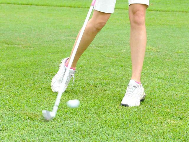 画像: カーボンとスチール、どっちが飛ぶの? ゴルフ女子がアイアンのシャフト選びを考えた - みんなのゴルフダイジェスト