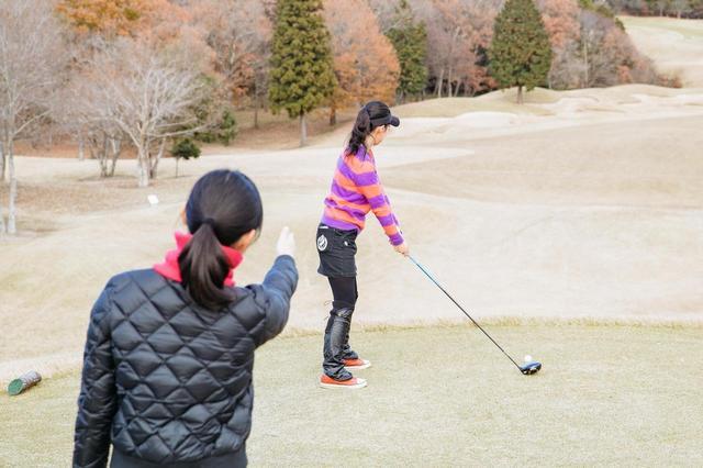 画像: 新ルールでは打つ前に移動してもペナルティ! 「キャディさんに後ろに立ってもらう」OK、NGの境界線 - みんなのゴルフダイジェスト