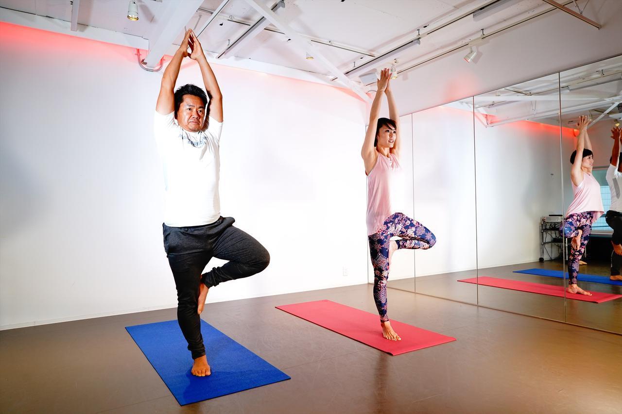 画像: ヨガを行うことで、体の動きが変わり、呼吸が深くなり集中力が増す効果が期待できる