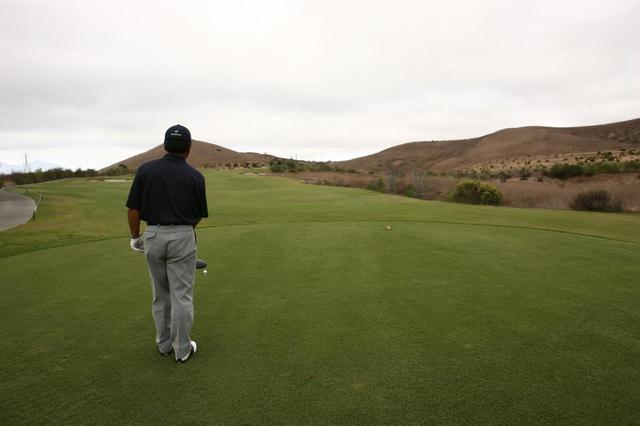 """画像: 「フェアウェイ真ん中狙い」はNG!? OBを防ぐティショットの""""狙い方""""【倉本昌弘の本番に強くなるゴルフ】 - みんなのゴルフダイジェスト"""