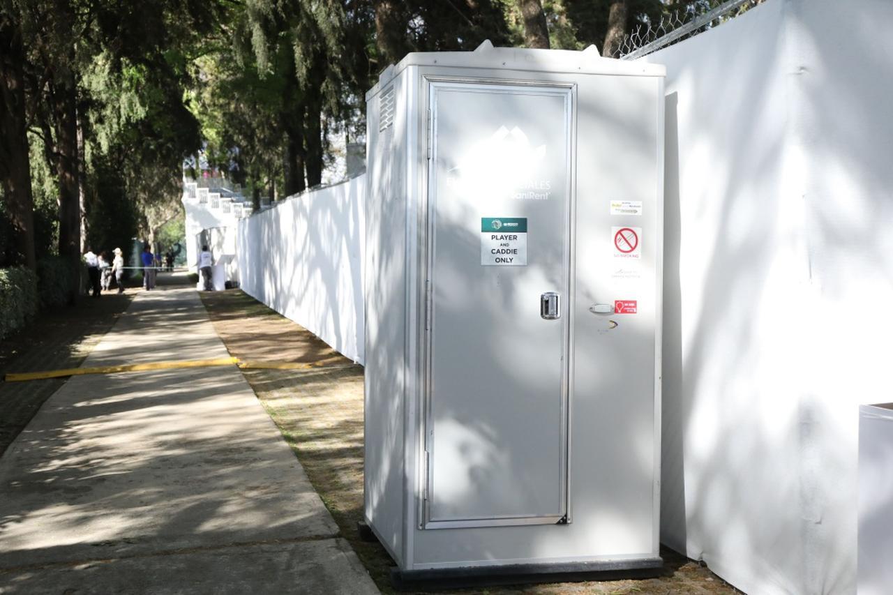 画像: 選手も関係者も、トイレの場所の確認は欠かせない