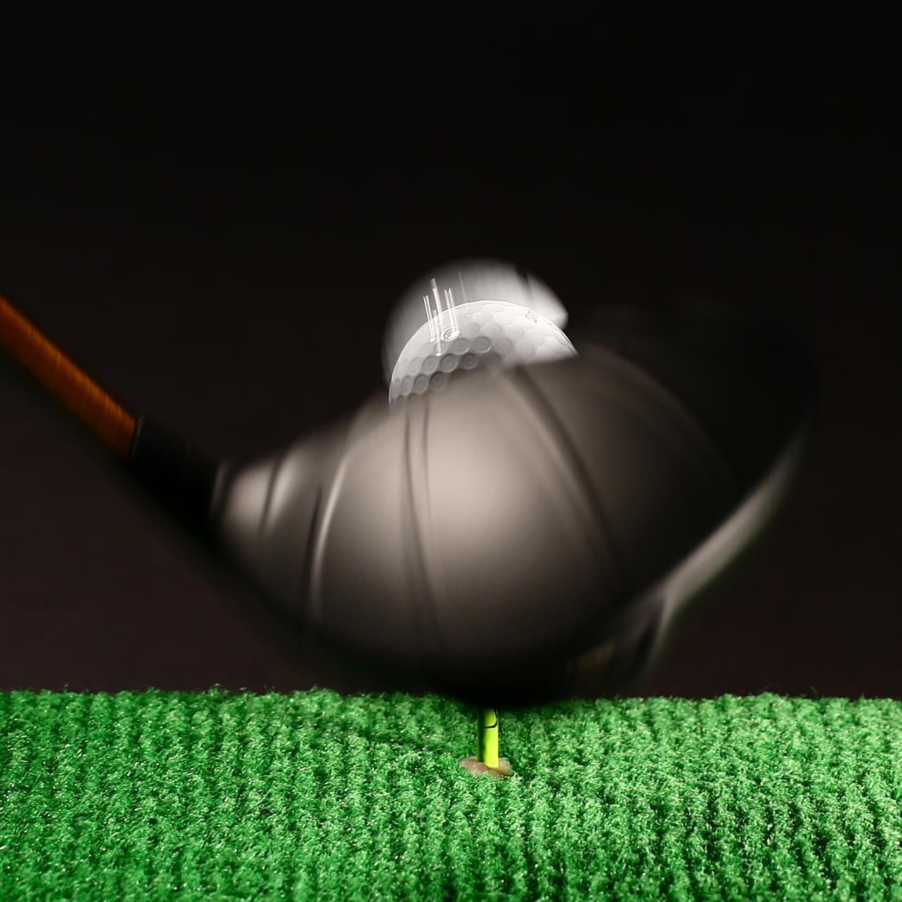 画像: ボールの素材によって飛びやスピンは大きく変わる(写真はイメージ)