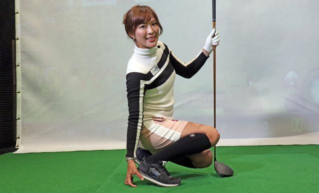 画像: 丁寧でわかりやすいレッスンで評判の小澤美奈瀬。ヘッドスピードは50m/sを超える