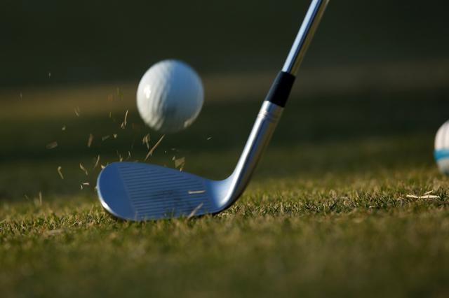 画像: 男性や飛距離の出るアスリートゴルフ女子は「寄せ」のほうが憧れる、カッコいいという傾向にある(撮影/小林司)