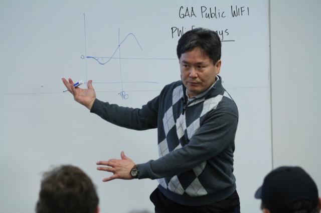 画像: スウィング研究だけでなく、人間性も心から尊敬できるのはクォン教授だと洋一郎はいう
