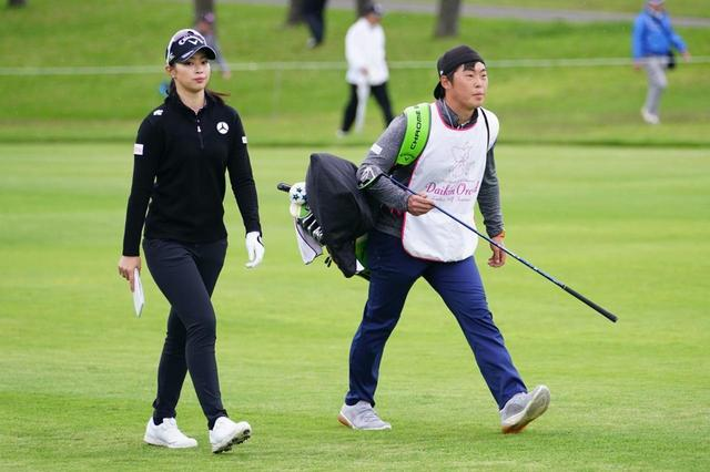 """画像: 選手によって異なる「ベストルート」を見つけ出せ! プロキャディ""""練習日""""のお仕事 - みんなのゴルフダイジェスト"""