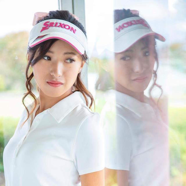 画像: こちらは月刊ゴルフダイジェストの人気企画「女子プロカレンダー」撮影時の1コマ(撮影/森浩輔)