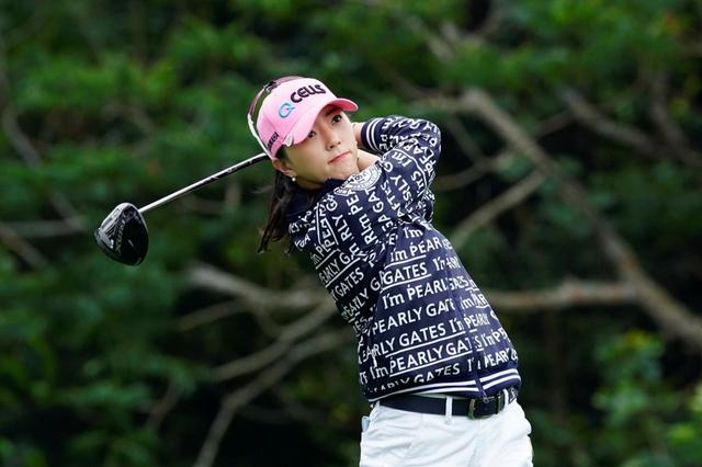 画像: 「教科書通り」とはまさにこのこと。美女プロ、ユン・チェヨンの美スウィングに注目! - みんなのゴルフダイジェスト