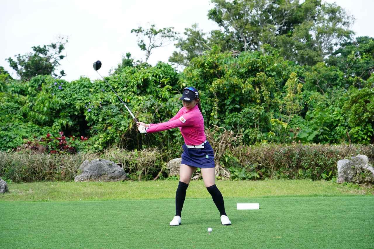 Images : 3番目の画像 - 熊谷かほのドライバー連続写真 - みんなのゴルフダイジェスト