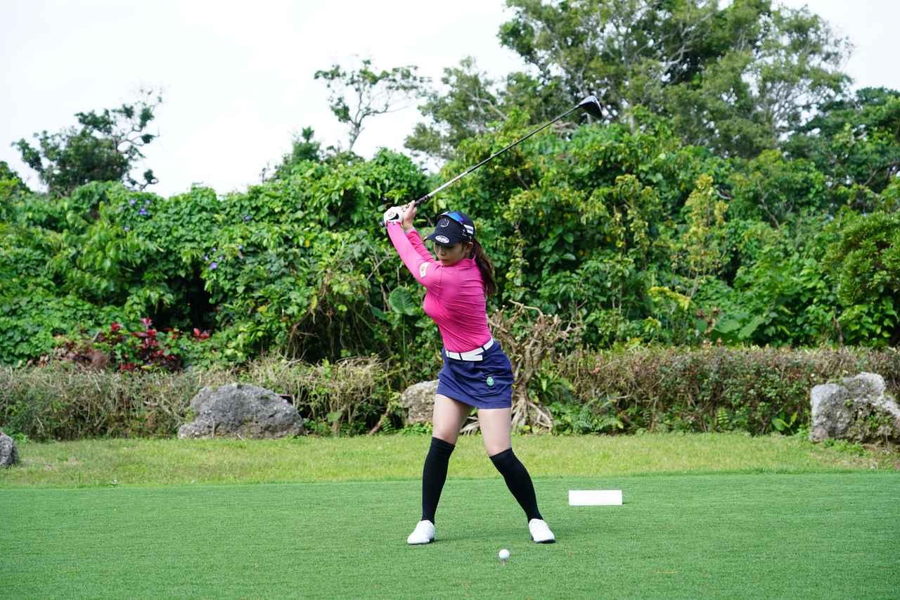 Images : 4番目の画像 - 熊谷かほのドライバー連続写真 - みんなのゴルフダイジェスト