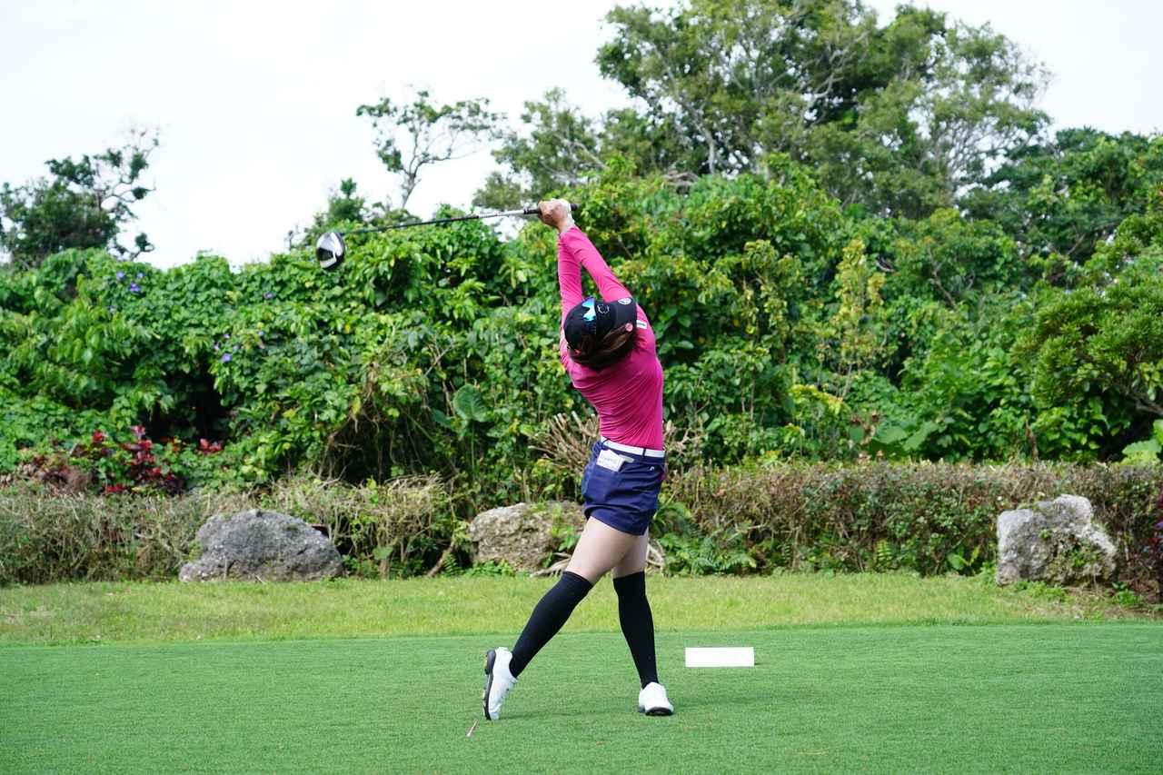 Images : 14番目の画像 - 熊谷かほのドライバー連続写真 - みんなのゴルフダイジェスト