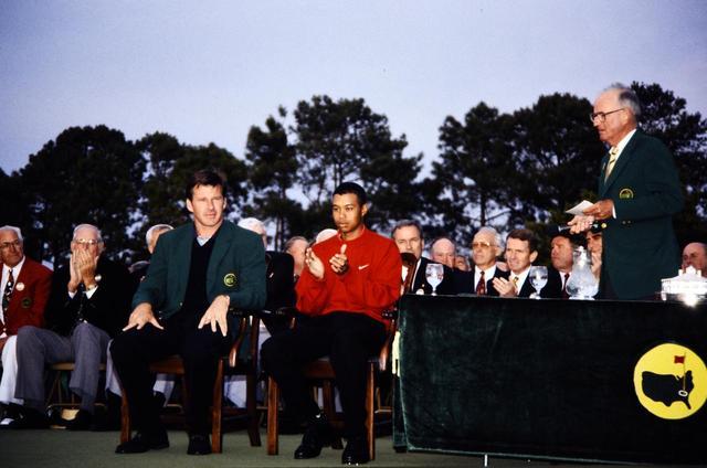 画像: 1997年のマスターズで「メジャー1勝目」を挙げたタイガー。それから22年でメジャー15勝を積み上げた