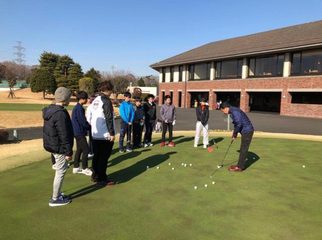 画像: 若者にゴルフ場に触れてもらうのが、大学ゴルフ授業研究会が行なっている「Gちゃれ」。本記事の著者である永井延宏もプロとして関わっている