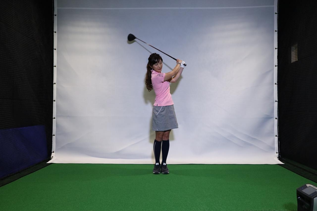 Images : 8番目の画像 - 小澤美奈瀬が実演! 両足ぴったんこスウィング連続写真 - みんなのゴルフダイジェスト