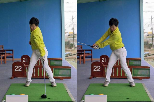 画像: 左手1本でアドレスし、先に上体を回してから(写真左)左手でクラブを上げて右手を添える(写真右)。この動きを繰り返し行ってみよう