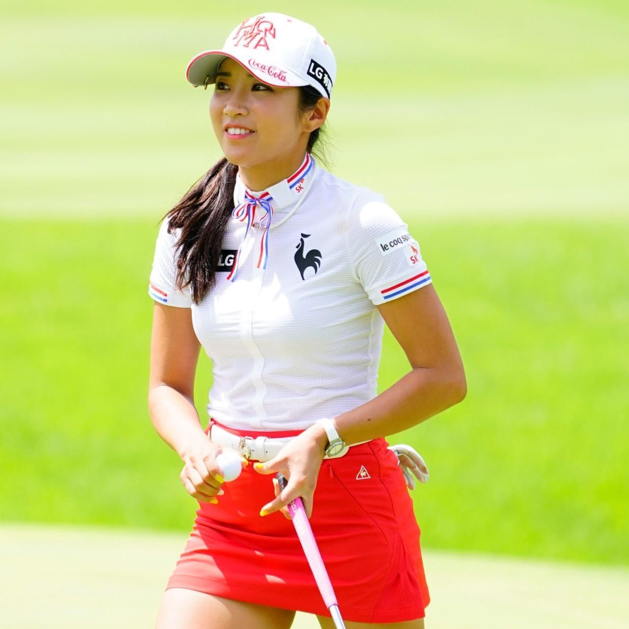 画像: ゴルフ女子は女子プロのファッションも参考にしている。中でも多く名前の挙がったのはイ・ボミ(写真は2018年のCATレディースゴルフトーナメント 撮影/岡沢裕行)