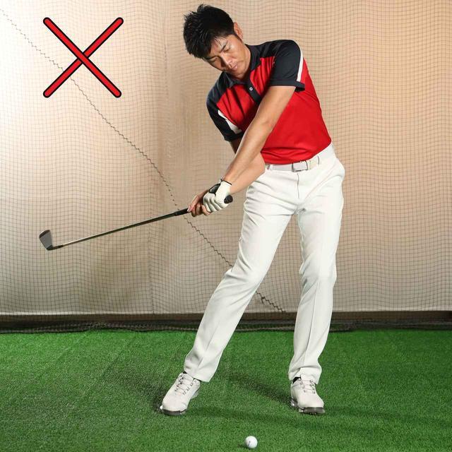 画像: 動きの順番が狂ったら地面反力は使えない(クラブ→腕→肩→腰→足)。切り返しでいきなりクラブや腕を動かすのはNGだ