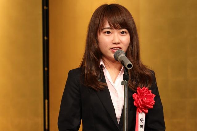 画像: レギュラーツアーでも活躍した安田祐香。ジュニア大賞を受賞した