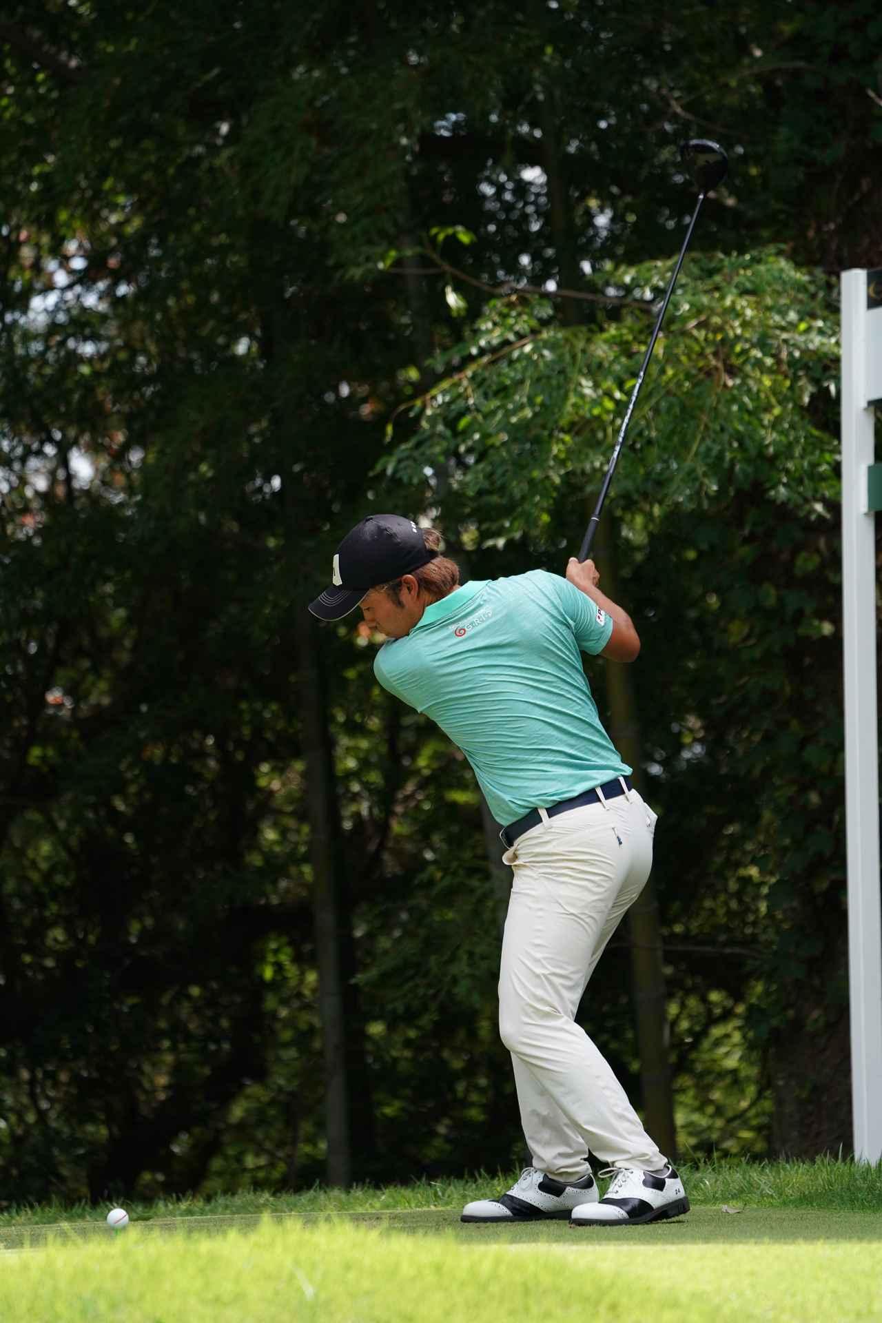 Images : 3番目の画像 - 浅地洋佑のドライバー連続写真 - みんなのゴルフダイジェスト