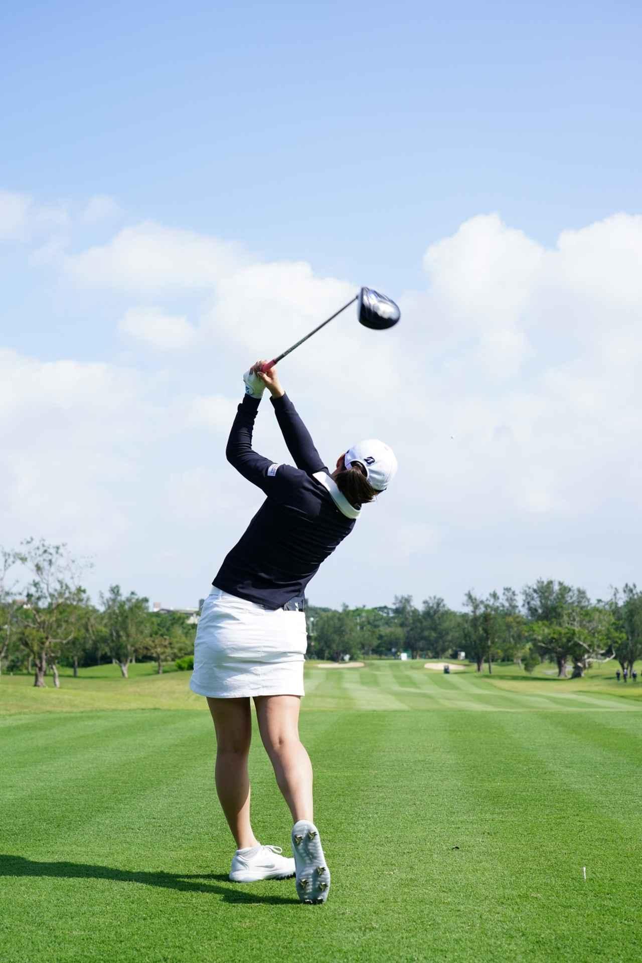 Images : 18番目の画像 - 丹萌乃のドライバー連続写真 - みんなのゴルフダイジェスト