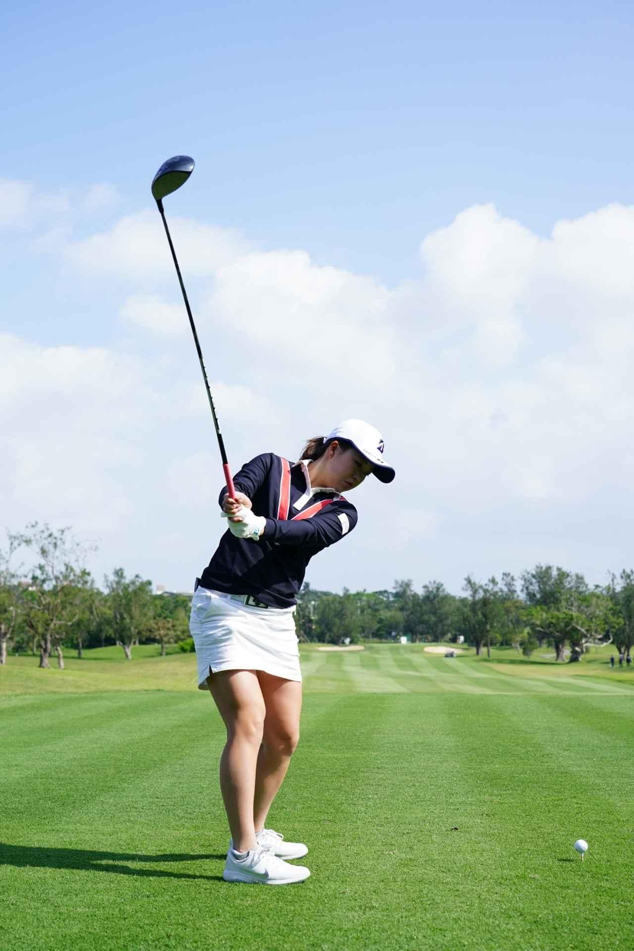 Images : 4番目の画像 - 丹萌乃のドライバー連続写真 - みんなのゴルフダイジェスト
