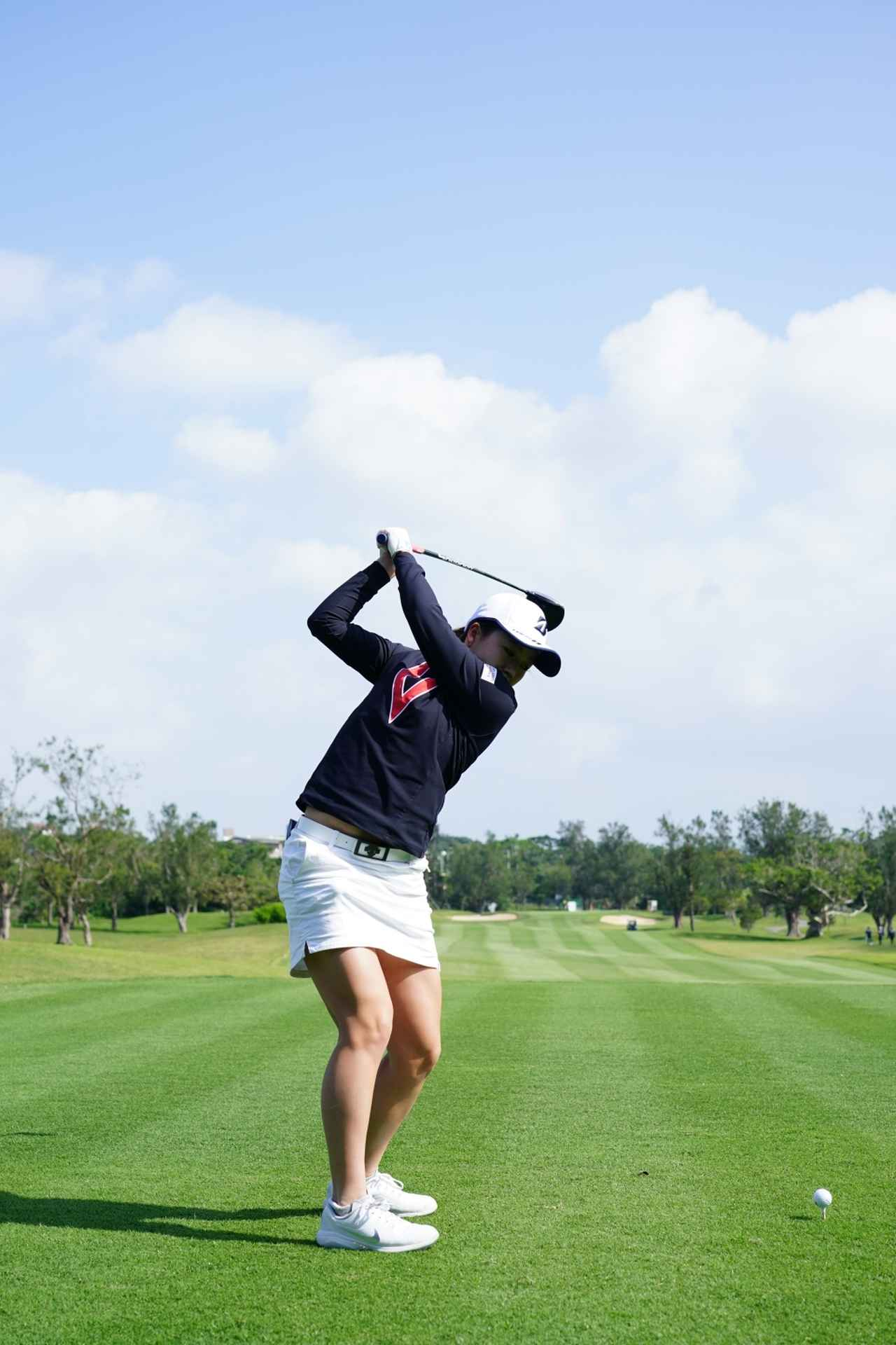 Images : 8番目の画像 - 丹萌乃のドライバー連続写真 - みんなのゴルフダイジェスト