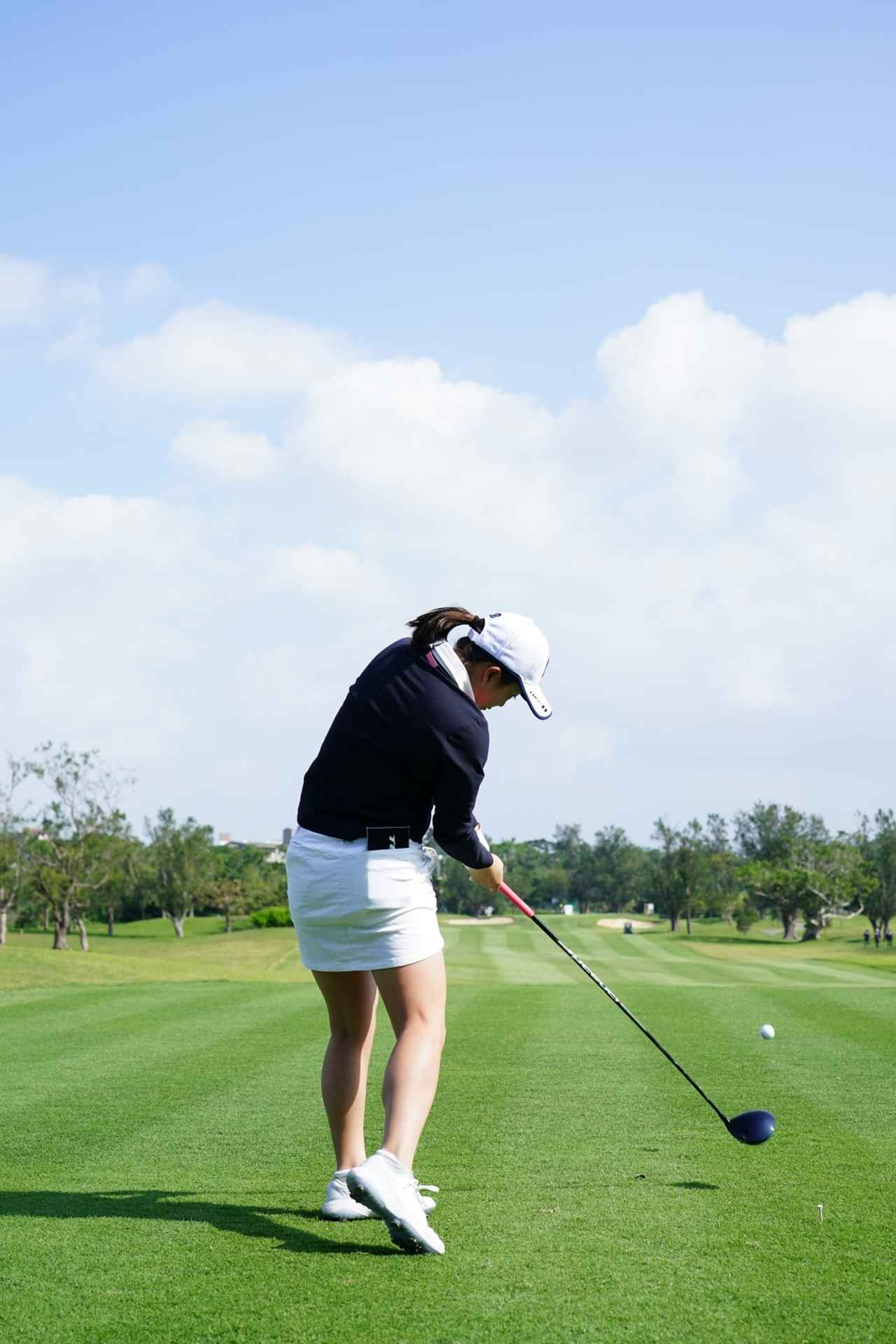 Images : 14番目の画像 - 丹萌乃のドライバー連続写真 - みんなのゴルフダイジェスト