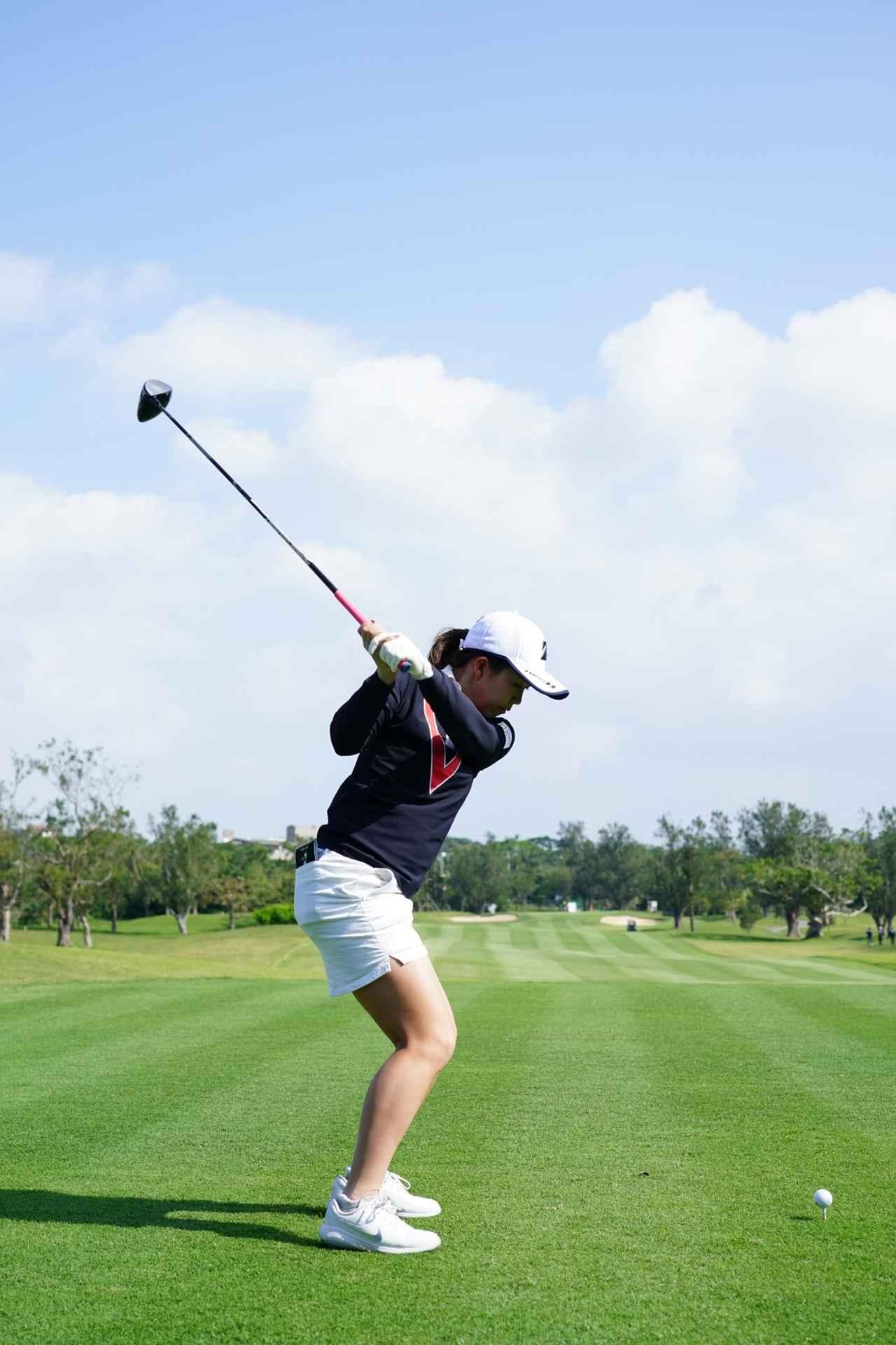 Images : 11番目の画像 - 丹萌乃のドライバー連続写真 - みんなのゴルフダイジェスト