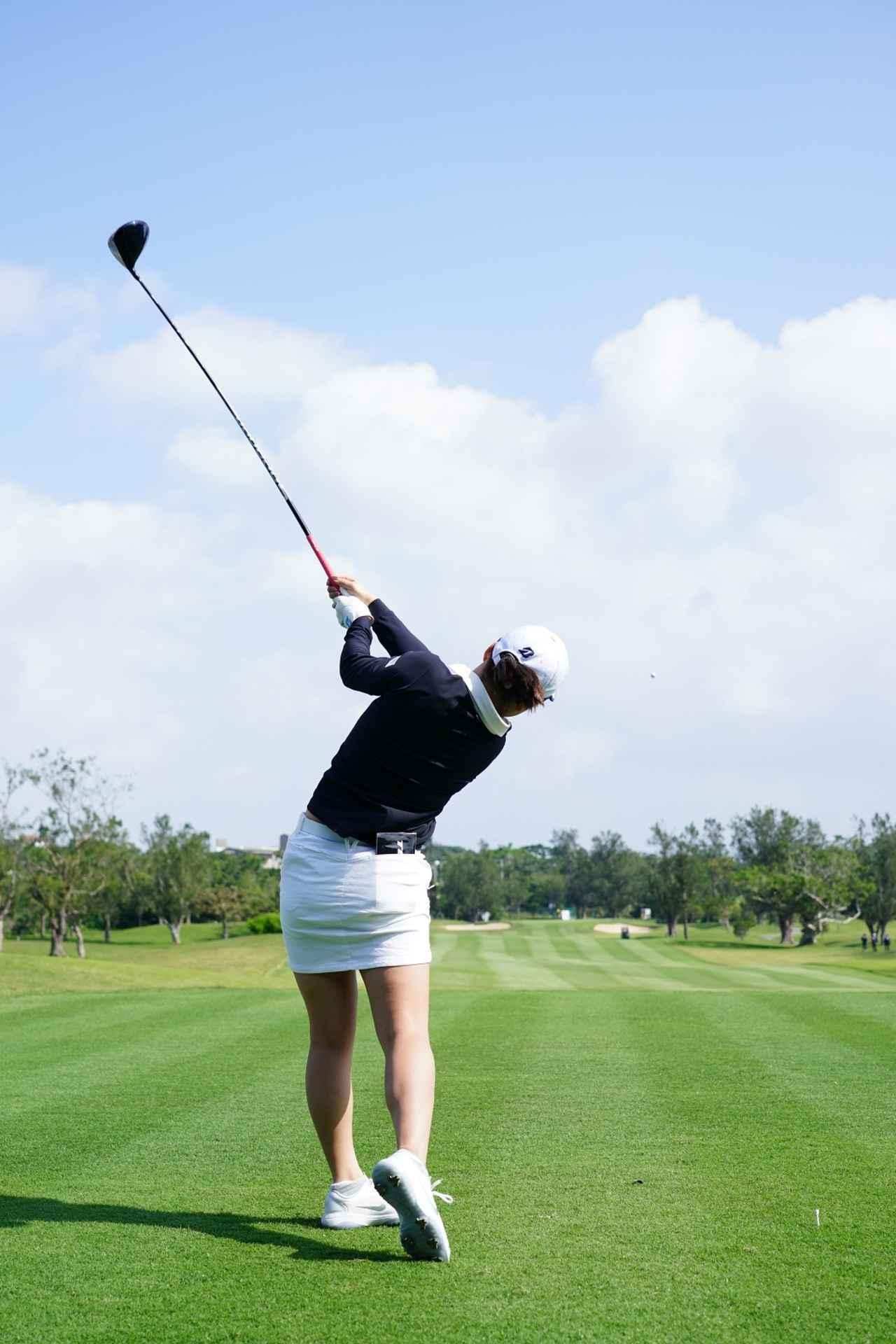Images : 17番目の画像 - 丹萌乃のドライバー連続写真 - みんなのゴルフダイジェスト