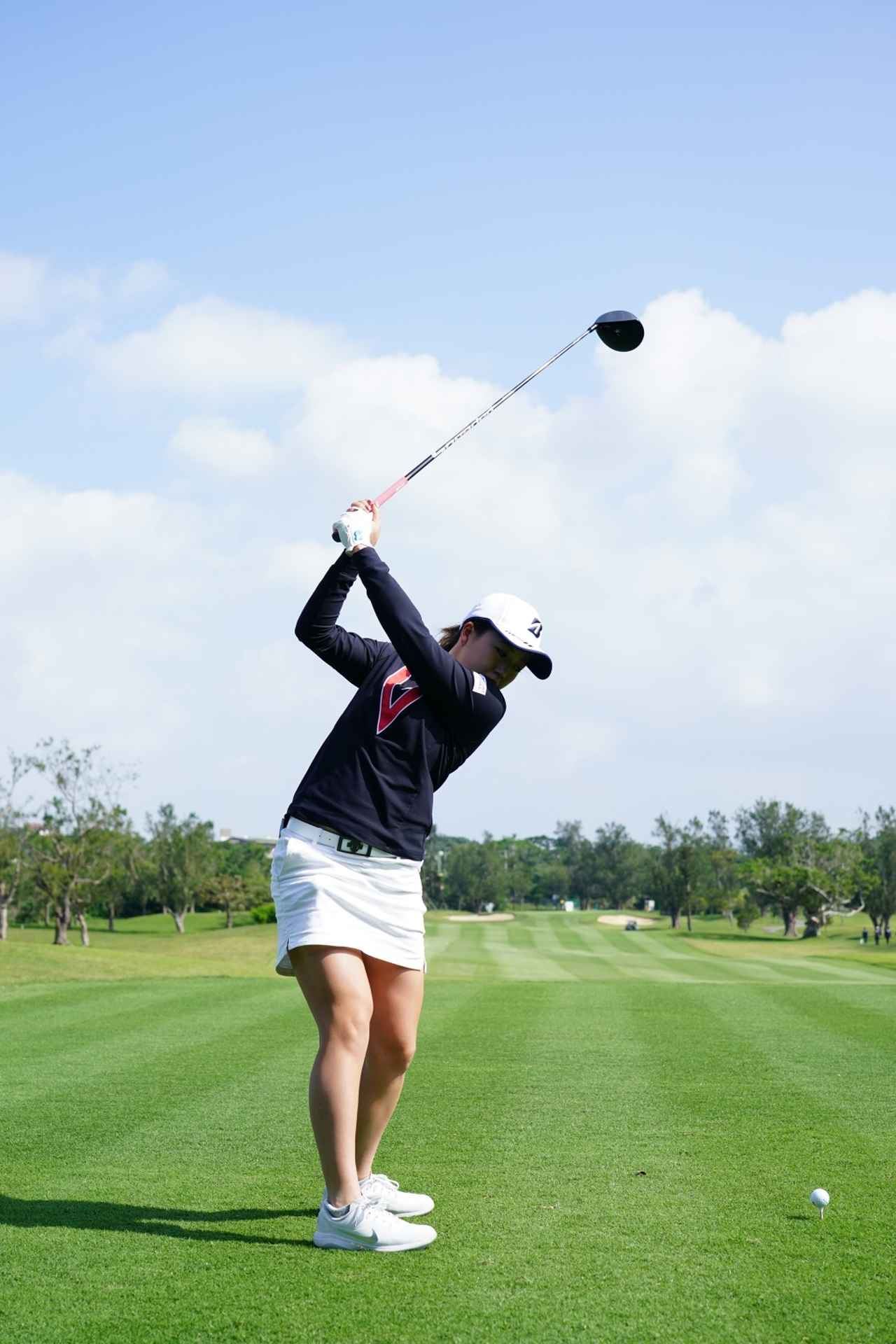 Images : 6番目の画像 - 丹萌乃のドライバー連続写真 - みんなのゴルフダイジェスト