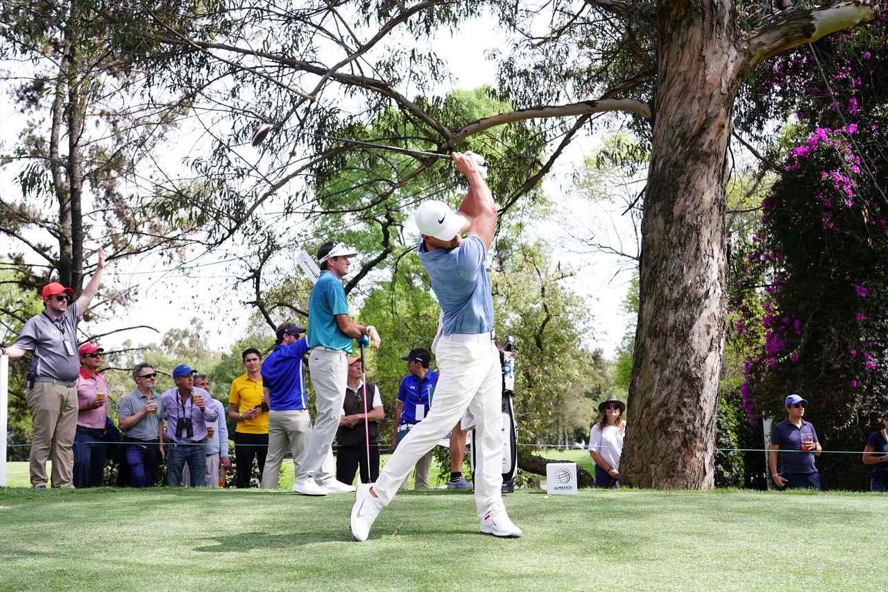 Images : 12番目の画像 - ブルックス・ケプカドライバー正面連続写真 - みんなのゴルフダイジェスト