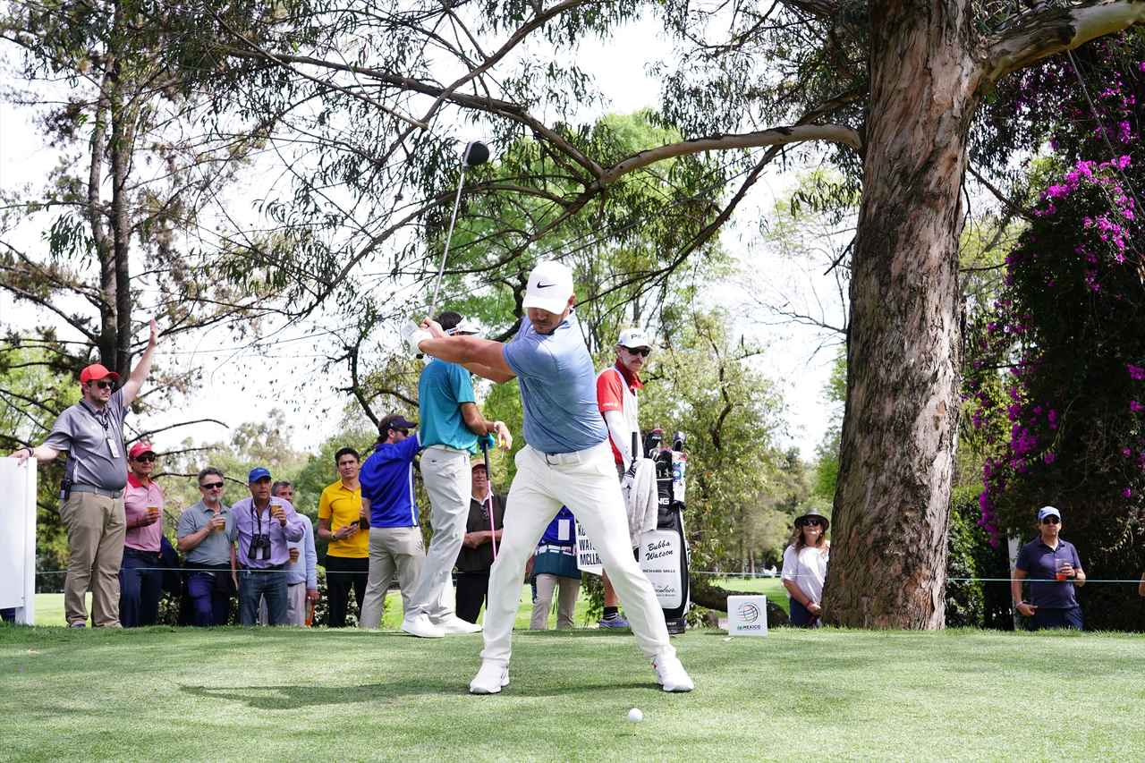 Images : 5番目の画像 - ブルックス・ケプカドライバー正面連続写真 - みんなのゴルフダイジェスト