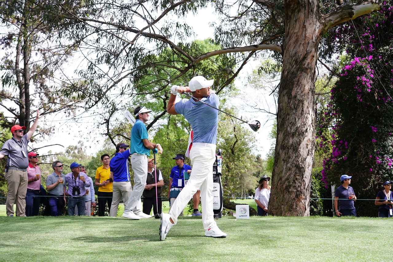 Images : 14番目の画像 - ブルックス・ケプカドライバー正面連続写真 - みんなのゴルフダイジェスト